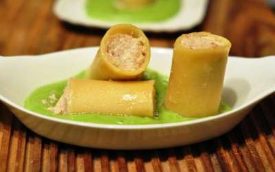 Paccheri ripieni di pasta di salame e ricotta