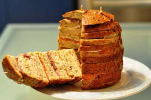 Panettone gastronomico ai 6 cereali con salmone, tonno e pesce spada affumicati