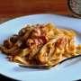 Tagliatelle di grano duro all'astice con sale all'aglio